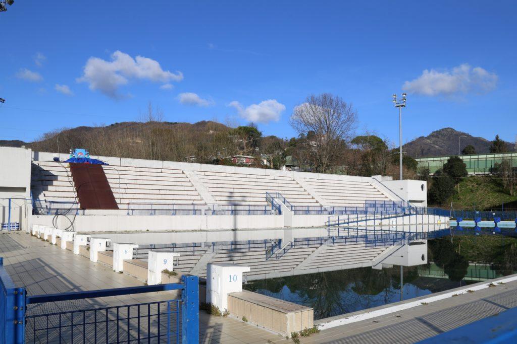 Meglio un grande centro sportivo che una piscina.